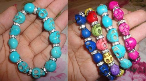 pulseras de calaveras de colores