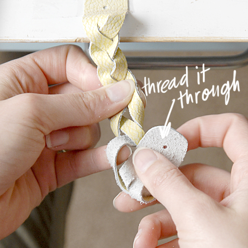hacer-pulseras-de-cuero-trenzado-4