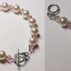 pulseras de perlas y abalorios