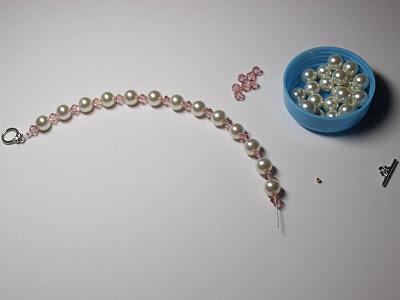 pulseras-de-perlas-y-abalorios-3